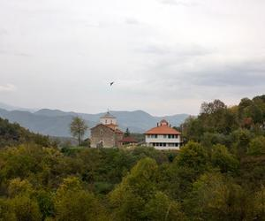 1.manastir svetih besrebrenika i cudotvoraca kozme i damjana